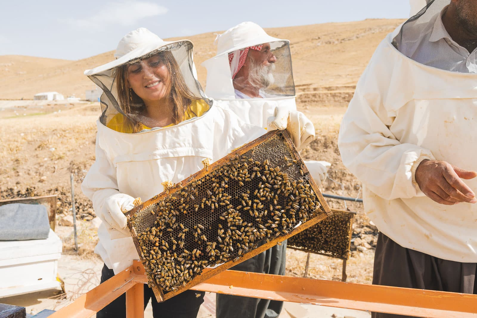 Sara and her bees