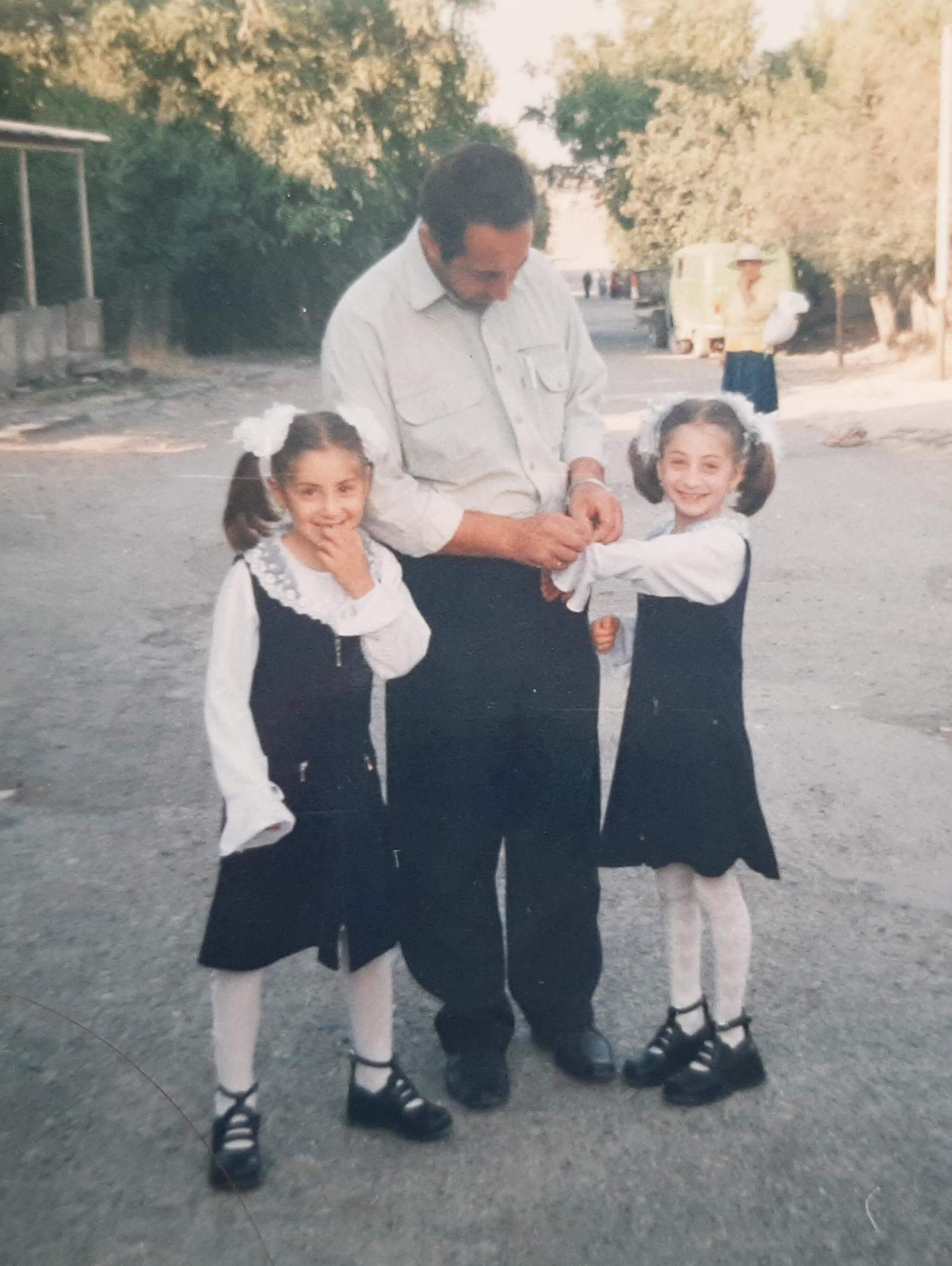 Ani and her sister and father