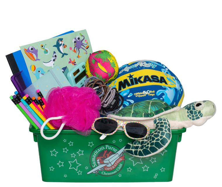 Operation Christmas Child Themed Shobox Packing Idea